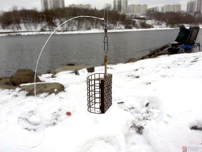 Рыбалка зимой фидером