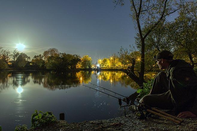 Ночная ловля рыбы